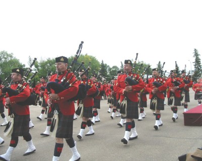 band_on_parade_memorial_2004.jpg